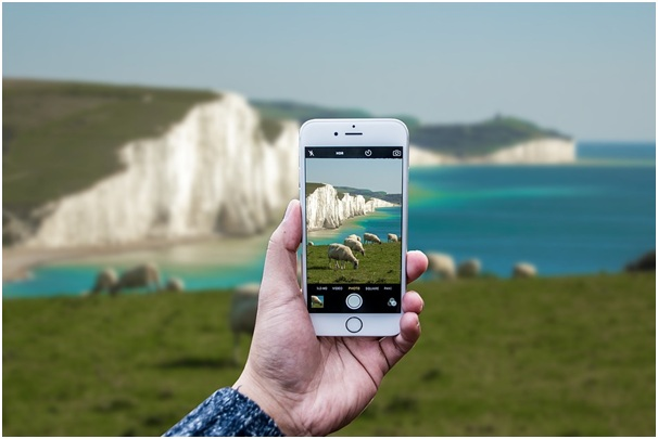 Are advances in camera phones signalling the end of photography