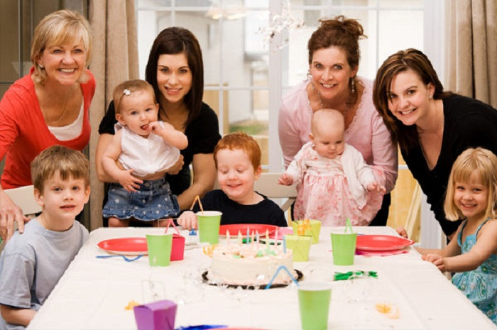 Hosting a Family Party: 5 Factors to Consider