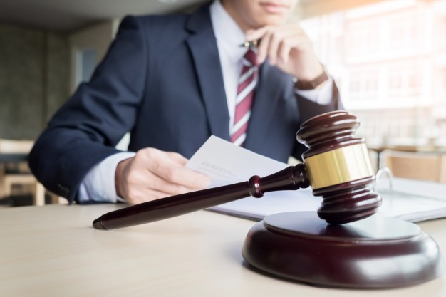 Managing An Estate – How A Deceased Estate Lawyer Can Help