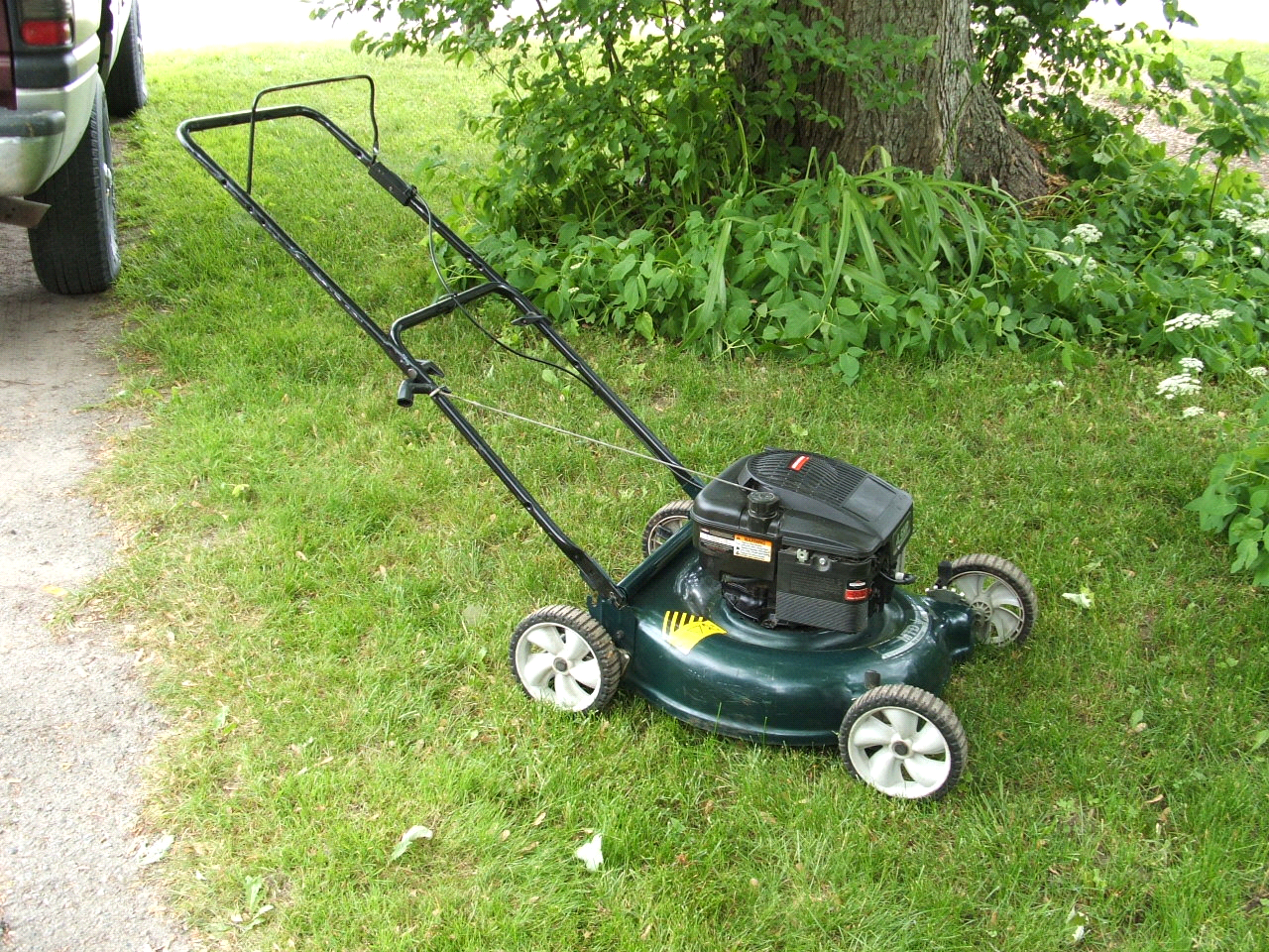 Signs You Need A New Lawn Mower