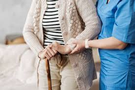 How to Tell if an Elderly Person Needs a Caregiver