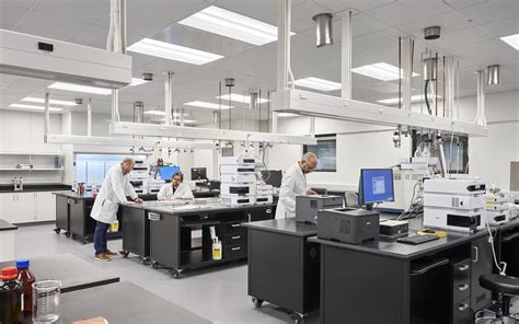 What to Expect When Relocating a Laboratory